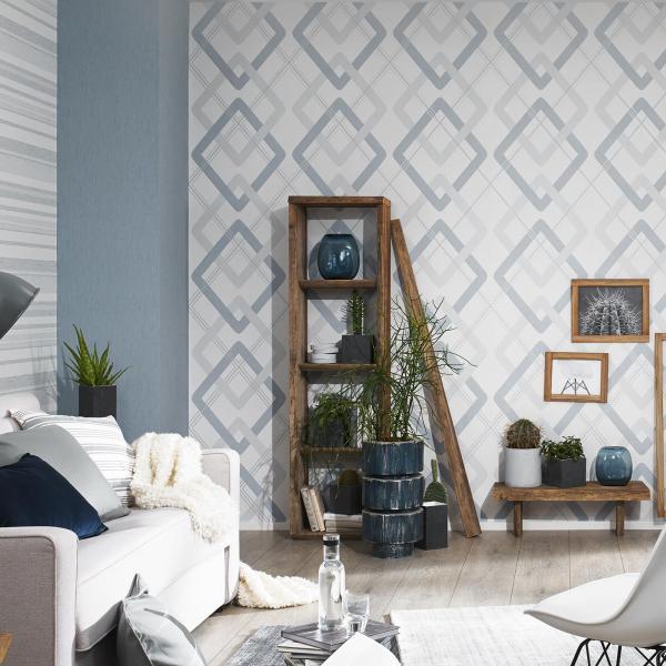 Wohnzimmer mit moderner Tapete in Retro-Grafik in Taubenblau-Grau