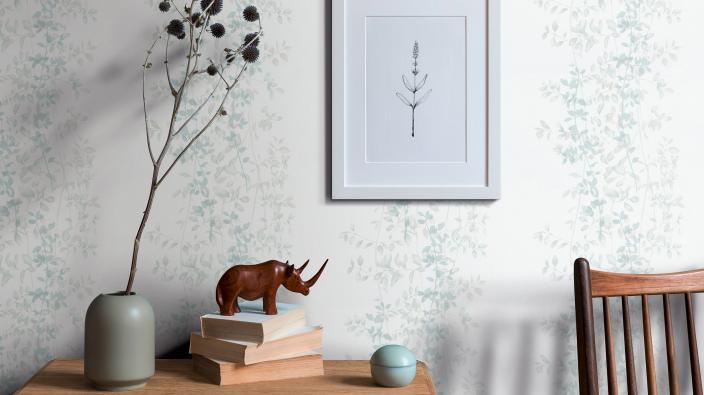 Romantische Blumentapete in zartem Mintgrün von Guido Maria Kretschmer