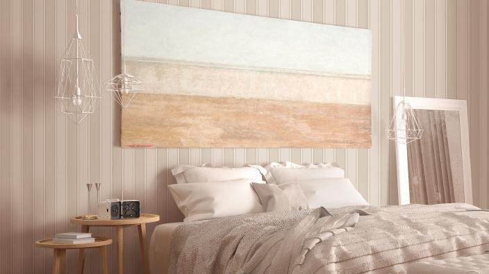 Schlafzimmer in Beigetönen, gestreifte Vliestapete in beige und creme