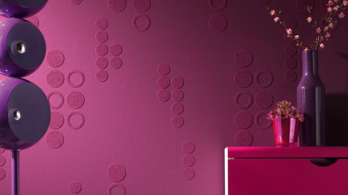 Überstreichbare Tapete in violett