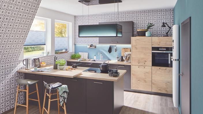 Vliestapeten mit Kachelmuster in moderner Küche