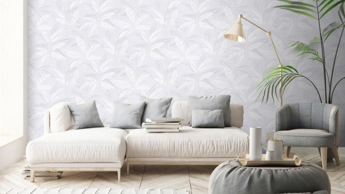 Vliestapete mit üppigem Blattmuster in hellgrau, modernes Wohnzimmer, helles sofa