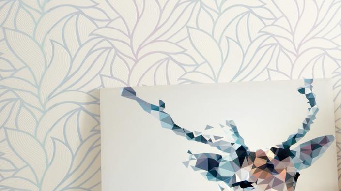 Wall design with non-woven wallpaper, large tendril pattern with contrast in pastel shades rose and mint