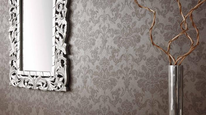 Tapete mit klassischen Ornamenten in Taupe Vliesdirektdruck