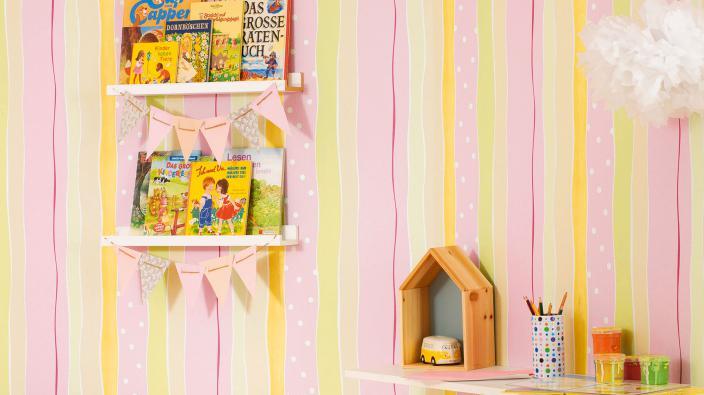 Kinderzimmer Papiertapete mit buntem Streifen-Motiv
