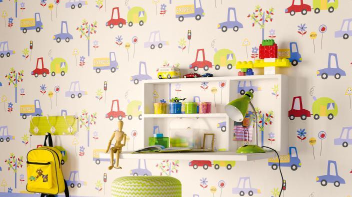 Kinderzimmer mit Papiertapete Auto-Motiv