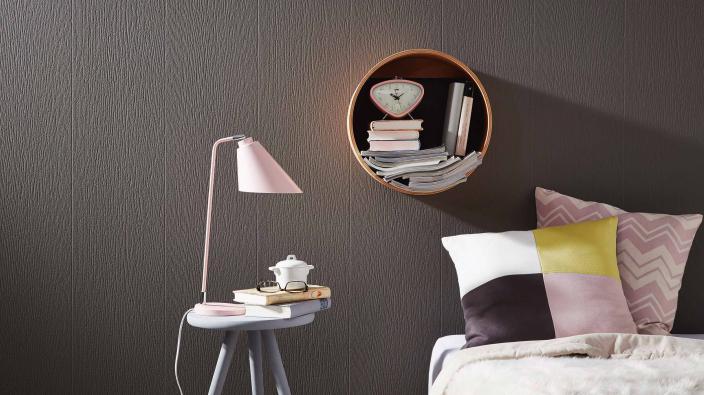 Vliestapete in Holzoptik überstreichbar, braun, Bett Rose