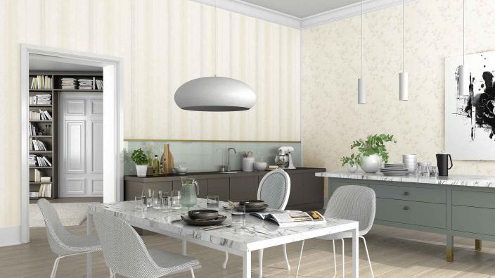 Moderne Küche mit Vliestapeten in Creme