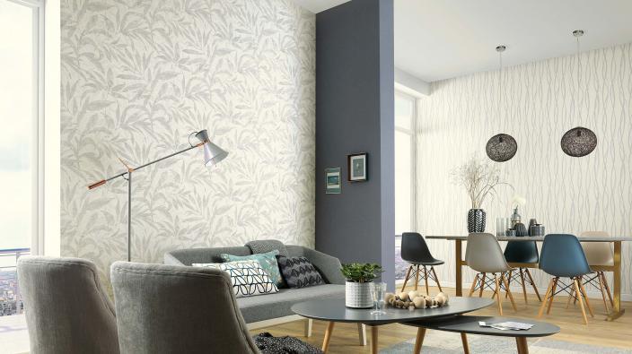 Wohnzimmer mit modernen Vliestapeten in Blau-Grau