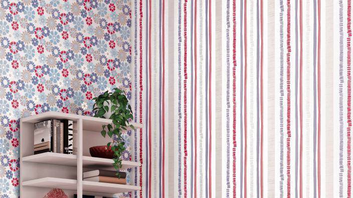 Wandgestaltung mit Retro-Vliestapeten, bunte Prilblumen und Streifen in Blau und Rot