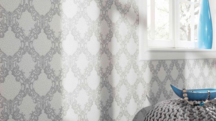Tapete mit moderenem Ornament in hellem Silber-Grau