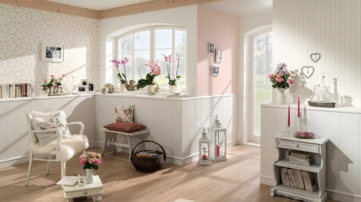 Eingangsbereich Shabby Chic mit Vliestapeten in rose