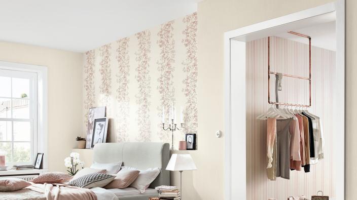 Modernes Schlafzimmer mit Designertapete von Guido Maria Kretschmer