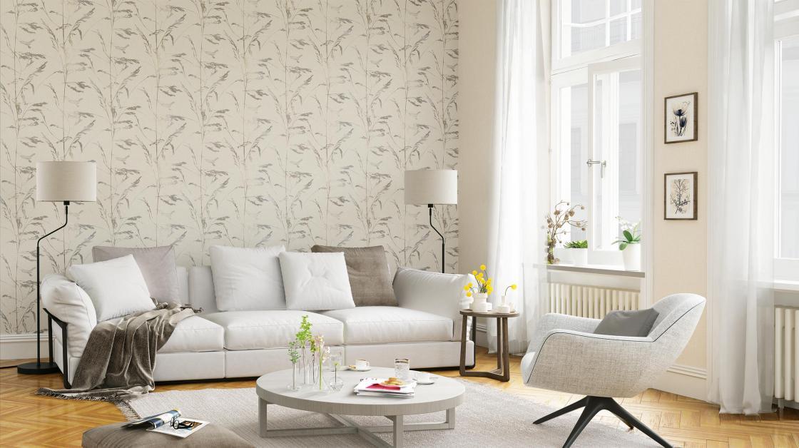 Modernes Wohnzimmer mit Vliestapete mit Gräsern in hellem Beige