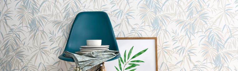 Vliestapete mit Bambusmotiv in zarten Bleu-Nuancen