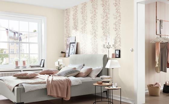 Romantisches Schlafzimmer mit Vliestapeten von Guido Maria Kretschmer