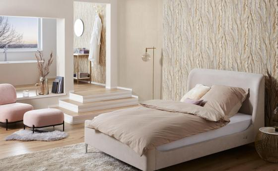 Mamor Vliestapete, Schlafzimmer mit großem Bett