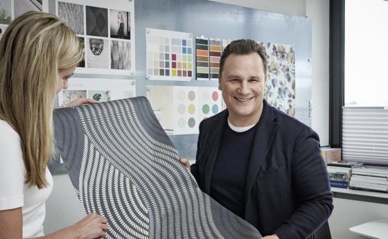 Gudio Maria Kretschmer und Designerin Inga Grabow entwerfen die neue Tapetenkollektion Fashion for Walls