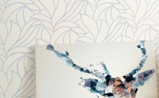 Wandgestaltung mit Vliestapete, großes Rankenmuster mit Kontrast in Pastelltönen Rose und Mint