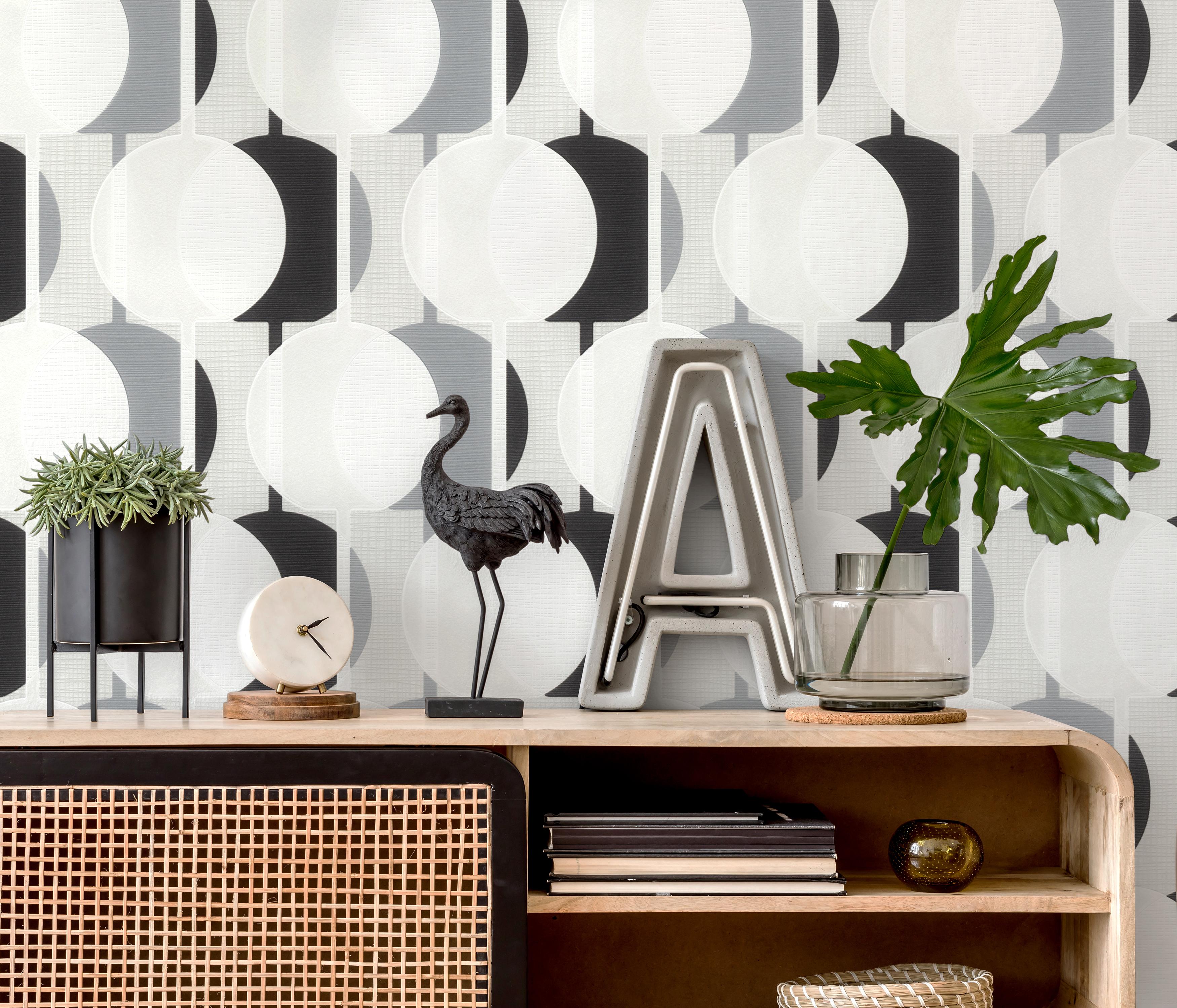 Detailbild mit moderner Retro-Tapete in schwarz-weiß