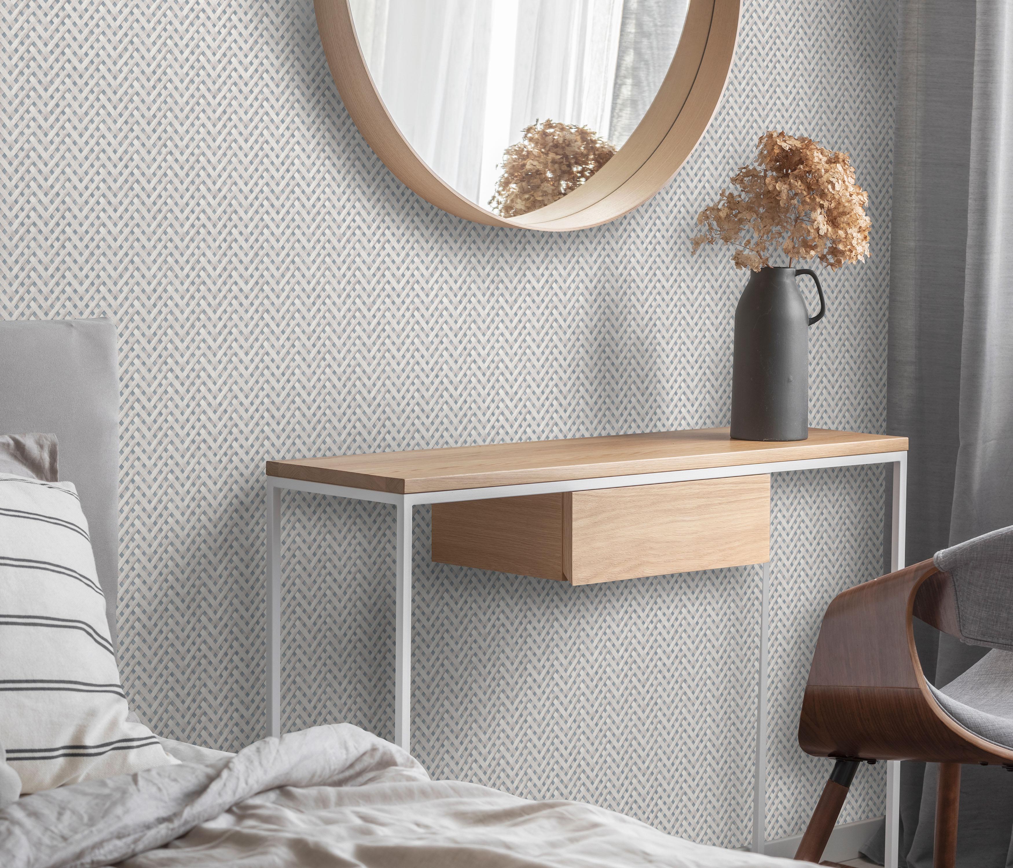 Modernes Schlafzimmer mit grauer Vliestapete, Sideboard